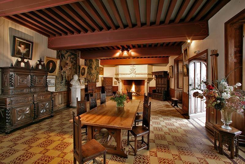 Château de Puymartin salle basse
