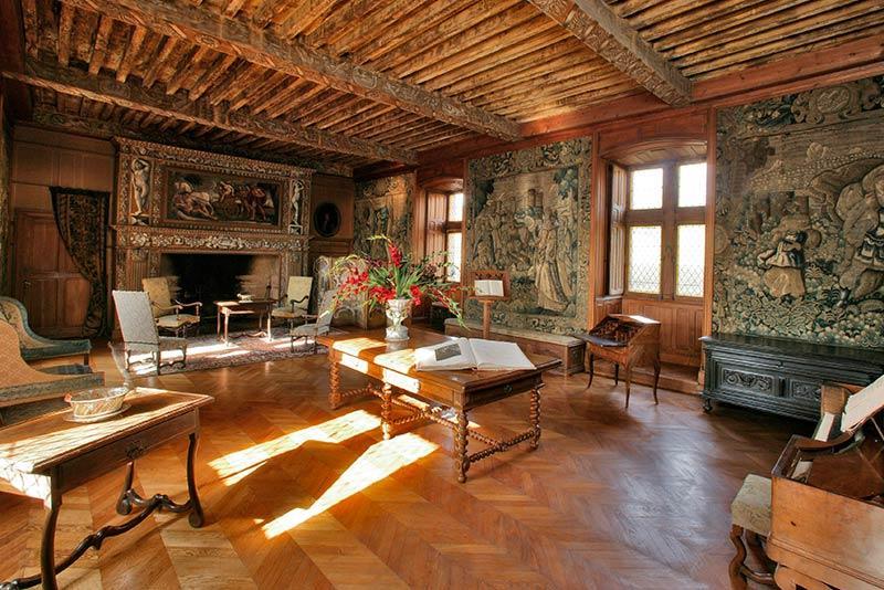 Château de Puymartin la grande salle